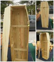 Click to enlarge image <B>TOE PINCHER COFFIN</B> - <B>HALLOWEEN DECOR</B>